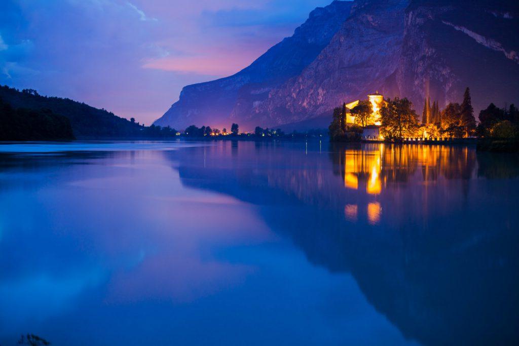 Riva del Garda al tramonto